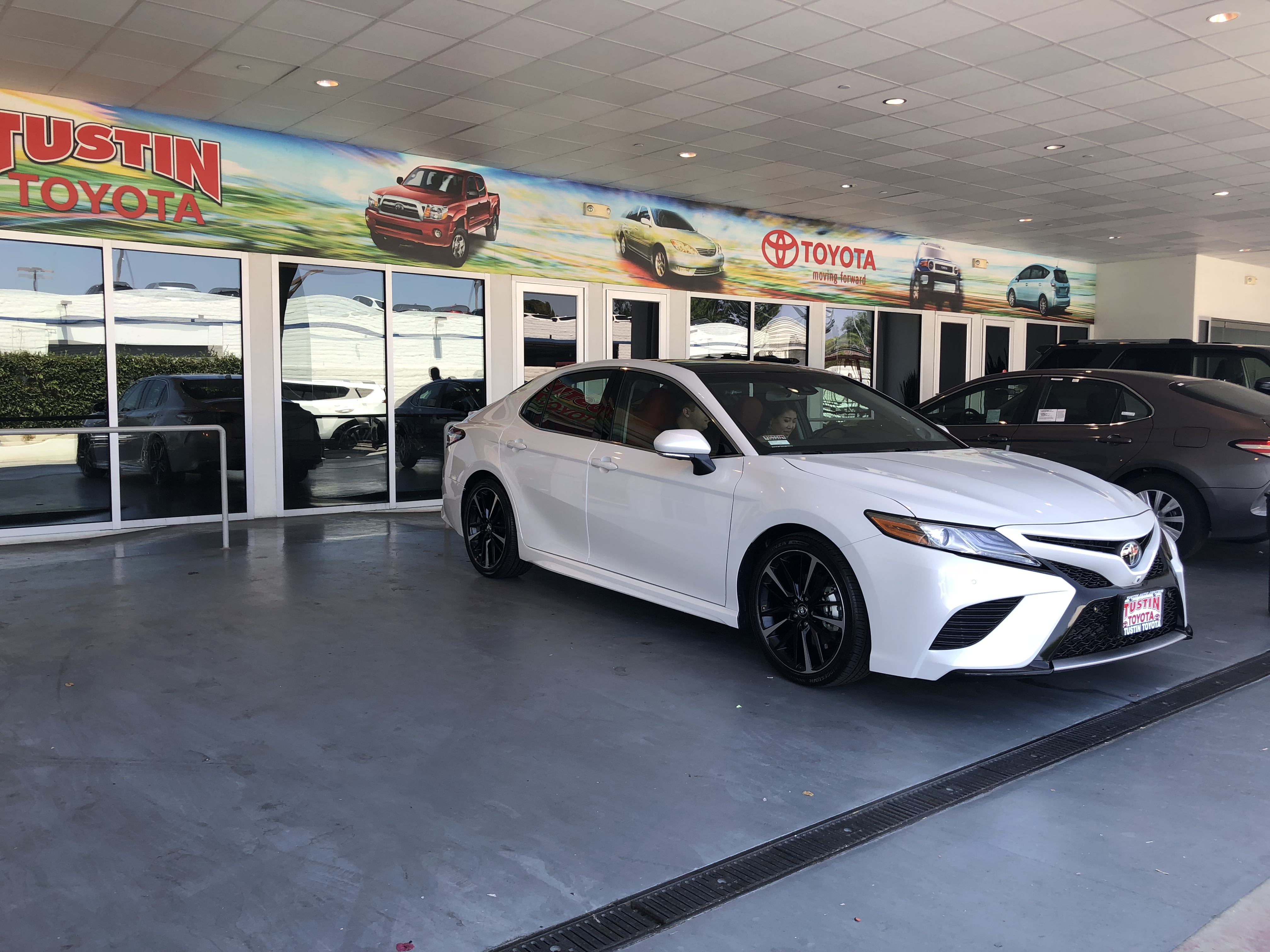 Tustin toyota service department phone number